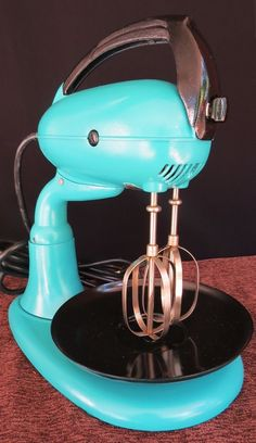 Vintage 1940's Dormeyer model 3200 Kitchen Mixer Turquoise. This is an awesome color!