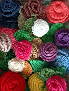 Broches con flores de ganchillo by CRISTINACREA