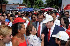 Javier Duarte de Ochoa enfatizó que el trabajo unido y coordinado, entre gobierno y sociedad, trae grandes beneficios, tal es el caso de esta obra, la cual beneficia a más de 18 mil habitantes de esta zona, y le permite a Veracruz seguir la ruta de la prosperidad.