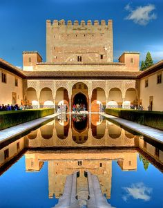 Alhambra Granada in Spain. Your tickets to the Alhambra and Generlife of Granada. Ticket sale, guided tours and tourist information of the Alhambra. Palazzo, Aachen Cathedral, Tourist Office, Underground Cities, Granada Spain, Places In Italy, Spain And Portugal, Place Of Worship, Andalucia