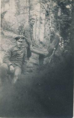 Arbeitende Soldaten in der Zeit des ersten Weltkriegs 1914 - 1918