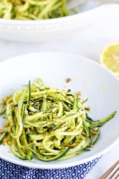 Pesto de pistache con zucchini como pasta, rápidos, deliciosos y una super opción para el verano | pasta salad recipes | | pasta sauce recipes | | pastas | | pastas & noodles | noodles | | noodles recipes | http://www.piloncilloyvainilla.com/