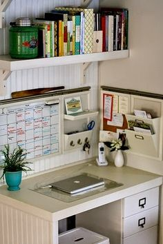 Designing Domesticity: Monday Inspiration: Organized Kitchen Nook