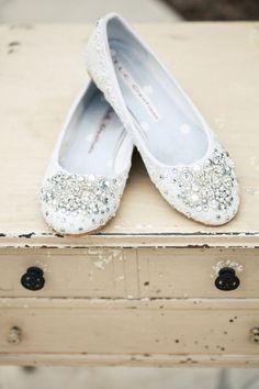 Sapatilha ou rasteirinha para as noivas no verão?
