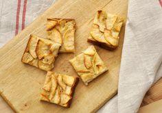 Un délicieux gâteau tout léger qui met bien en valeur les pommes. Pourquoi invisible ? tout simplement car le ratio pâte à gâteau et pommes est très largement en faveur des pommes. Du coup, on ne voit presque pas la pâte.