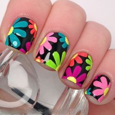 Flower nails are perfect for the spring and summer. Before you head to the nail salon, check out 40 of our favorite flower nail designs for spring and summer. Flower Nail Designs, Best Nail Art Designs, Flower Nail Art, Nail Polish Designs, Daisy Nail Art, Fingernail Designs, Fancy Nails, Diy Nails, Cute Nails