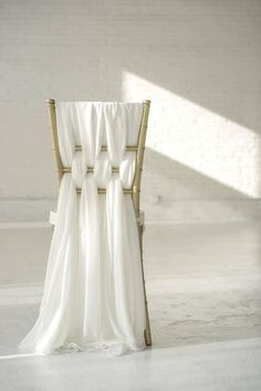 These chair sashes are weaved on a chiavari chair for this gorgeous look. You will receive a set of 6 thick chiffon sashes. One set of 6 sashes covers one chair. Color shown is Ivory and is a photo of our actual product shot by Tyler Adams Photo. Wedding Chair Decorations, Wedding Chairs, Wedding Table, Wedding Chair Covers, Elegant Wedding, Dream Wedding, Wedding Day, Boho Hochzeitsdekorationen, Chiavari Chairs