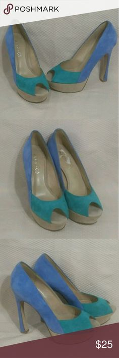 """Aldo Womens Genuine Suede Platform Pumps Sz 9 M Aldo Womens Suede Genuine Leather Peep Toe Platform Pumps Blue & Green Color Block 5.5"""" Heels Size 39 / US Size 9 M.....Colors are bright & Vivid, Perfect for Spring & Summer.....EXCELLENT PREOWNED CONDITION, LIGHT SIGNS OF WEAR, WORN ONLY ONCE OR TWICE....NO BOX....ENJOY   Type: Shoes Style: Peep toe Pumps Brand: Aldo Size: Eu 39  US 9 Material: Genuine Suede Leather Color: Blue Green Beige Condition: Great Preowned Condition  Country of…"""