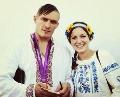 Мегамарш у вишиванках  ·  Подружжя Усиків. Кримчани і патріоти України. І їм дуже личать вишиванки