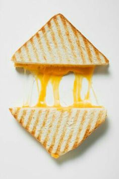 How To Make The Perfect Grilled Cheese Sandwich With Science Perfect Grilled Cheese, Just In Case, Just For You, Cheese Factory, Little Lunch, Jane The Virgin, Phineas And Ferb, Cool Pins, Mellow Yellow