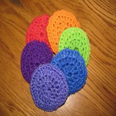 Crocheted Scrubbies - DIY - I thought these looked pretty cool. I would want one for every day of the week and throw them in the wash or the dishwasher at the end of the day.  http://www.motherearthnews.com/diy/crocheted-scrubbies-zbcz1311.aspx#axzz2kRMKZEBW