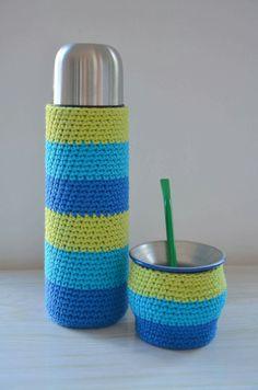 Crochet Crafts, Knit Crochet, Crochet Cushions, Bottle Cover, Crochet Kitchen, Bottle Holders, Chrochet, Needle And Thread, Sacramento