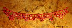 gehäkelte Sternenkette mit recycelten Knöpfen - mehr unter www.weanerantn.at Tapestry, Home Decor, Recyle, Sterne, Chain, Hanging Tapestry, Interior Design, Home Interior Design, Tapestries