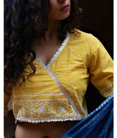 Handwoven & Block Printed Silk, Linen & Cotton blouses for every occasion. Carry your attire from our wide range of designer blouses. Stylish Blouse Design, Stylish Dress Designs, Saree Blouse Neck Designs, Blouse Patterns, Fancy Sarees, Indian, Coins, Blouses, Create