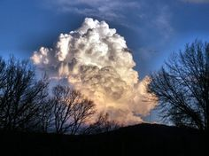 monster cloud, shot from my home.