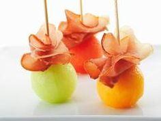 Freybe Gourmet Foods Ltd - Recipes - Schinkenspeck Melon Balls Finger Food Appetizers, Appetizers For Party, Finger Foods, Appetizer Recipes, Fingerfood Party, Snacks Für Party, Keto Snacks, Appetisers, Food Presentation