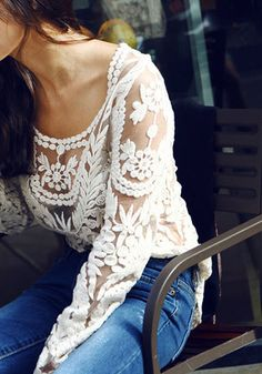 Crochet Lace Top - Beige - Scalloped Sleeves Blouse with blue jeans Look Fashion, Fashion Beauty, Womens Fashion, Fashion Trends, Ladies Fashion, Fall Fashion, Fashion Models, High Fashion, Looks Style