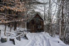 Corn crib converted into cabin near Randolph, Vermont. [1125 × 750] : CabinPorn