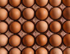 Comer huevos para empezar el día ayuda a la pérdida de peso, porque te mantiene en alerta sin apetito durante muchas horas. Hacerlos pasados por agua o en tortillas con aceite en spray para no excederse y evitarlos fritos. Aquafaba, Slow Food, Cooking Food, High Protein Recipes, Keto Recipes, Pasta Integral, Paleo Vegan Diet, Egg Pictures