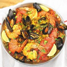 #paella Bogavante is the #recipeoftheday today #ontheblog #linkinprofile👆 for #foodieextravaganza . . . . . . . . . #newrecipe #foodporn #cuisine #spanish #instafoodblogger #instafoodie #comfortfood #lobster #chorizo #prawns #shrimp #mussels #feedfeed #foodblogger #seafood #gourmet #gourmetfood