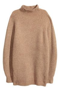 Camel. Wide-cut sweater in a soft, thick rib knit. Mock turtleneck and wide raglan sleeves.