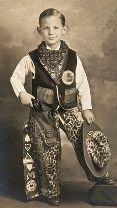 +~+~ Vintage Photograph ~+~+ Seriously Classic Cowboy 1920 Looks like my Husband when he was a boy! Vintage Children Photos, Vintage Pictures, Old Pictures, Vintage Images, Old Photos, Little Cowboy, Cowboy Up, Cowboy Gear, Antique Photos