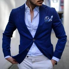 A blue blazer and white chinos are an easy way to introduce some manly sophistication into your casual styling repertoire. Light Blue Dress Shirt, Light Blue Dresses, Marcelo Mello, Blue Blazer Men, White Chinos, Blazers For Men, Gentleman Style, Mens Suits, Men Casual