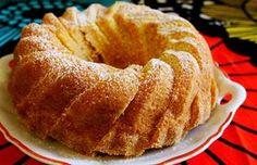 Appelsiinikakku on raikas ja mehevä kahvikakku. Kakku on parhaimmillaan muutaman päivän jälkeen.