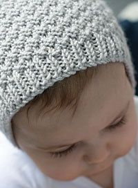 Baby Knitting Patterns Modern Baby Bonnet pattern by Hadley Fierlinger Baby Bonnet Pattern Free, Crochet Baby Bonnet, Knit Or Crochet, Free Pattern, Baby Hats Knitting, Knitting For Kids, Free Knitting, Knitting Projects, Baby Knitting Patterns Free Newborn