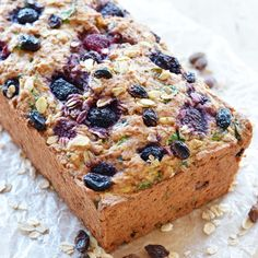Vegan fruit and veggie breakfast loaf with everything. Fruit Bread, Dessert Bread, Breakfast Dessert, Free Breakfast, Breakfast Ideas, Banana Bread, Vegan Breakfast Recipes, Vegan Desserts, Brunch Recipes