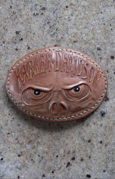 Punzierte Gürtelschnalle mit Harley Skull Leather