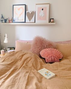 Unsure how to fill these days between Christmas and New Year? We always say when in doubt, stay in bed! snooze-machine looks particularly cosy, especially with our Lazy Linen bed linen in Nutmeg. Check out Zeena's beautiful home account here Linen Bedding, Bed Linen, Stay In Bed, Christmas And New Year, Cosy, Bean Bag Chair, Beautiful Homes, Fill, Furniture