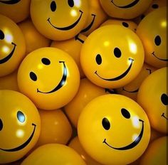 Happy with People Remember the smileys.and to smile :-)Remember the smileys.and to smile :-) Smile Wallpaper, Emoji Wallpaper, Wallpaper Backgrounds, Sparkle Wallpaper, Leaves Wallpaper, Disney Wallpaper, Smiley Emoticon, Happy Smiley Face, Happy Faces