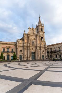 Caltagirone - Sicily - null Beautiful Places To Visit, Amazing Places, Places In Italy, Sicily Italy, The Beautiful Country, Strand, The Good Place, Cathedral, Catholic Wedding