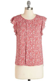 Your friends are in awe of your adorableness as you sport this pink floral top today! Breezy lightweight fabric, a front pleated detail, and fluttery cap sleeves make this top a sweet standout wherever you go.