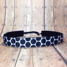 Non Slip Headband. Black and white dots Workout Headband. Adjustable Headband. Running Headband. Team headbands by ARoseSoSweet on Etsy https://www.etsy.com/listing/200487104/non-slip-headband-black-and-white-dots