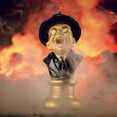 Firebox has released a fantastic candle based on Gestapo agent Arnold Ernst Toht's gory face-melting scene from the classic 1981 adventure film Indiana Jones and the Raiders of the Lost Ark. Indiana Jones 2, Melting Face, The Cooler Movie, Scarred For Life, Entertainment, Home And Deco, Blog, Unusual Gifts, Candles