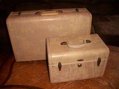 Set Vintage Retro Faux Marble Samsonite Suitcases Make up/Train Case Key & Tray 30 + 25