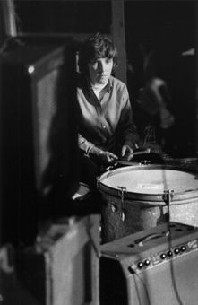 The Tomboy in Warhol's Factory: Drummer Maureen Tucker on How Andy Helped Her Become a Counterculture Heroine Rock And Roll Girl, Rock N Roll, Maureen Tucker, Chelsea Girls, Women Of Rock, 60s Music, Patti Smith, Man On The Moon, Best Rock