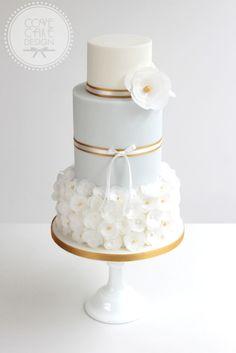Delicate wedding cake