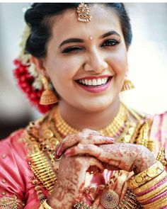 Tired of scrolling through a bunch of pages to find that perfect blouse designs? Check out the top most South Indian blouse designs to pair with a kanjeevaram saree- Eventila South Indian Blouse Designs, Blouse Neck Designs, South Indian Weddings, South Indian Bride, Simple Sarees, Indian Bridal Fashion, Colorful Fashion, Bridal Style, Sephora
