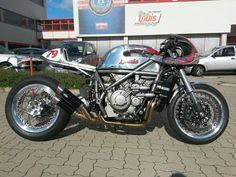 Ottonero Cafe Racer: Honda VFR 1200F DCT / Louis Motorrad