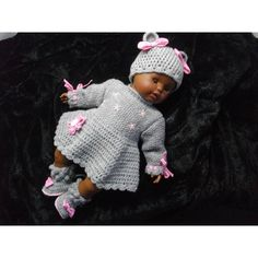 brassiere bébé - bonnet - chaussons tricotés et crochetés à la main 55€  Chaussures Bébé 4e84d97ec58