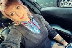 "Lulu Rosal on Instagram: ""💖 #rudegirl #skinbyrd #trojanrecords #pinkhairdontcare #skinheadgirl #bootsandbracesdontmakemeracist"" Skinhead Girl, Pink Hair, Turquoise, Instagram, Fashion, Rose Trees, Rosa Hair, Moda, Fashion Styles"