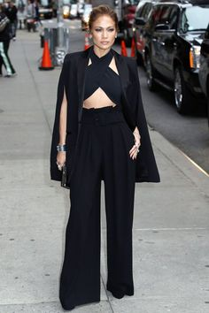 Best Dressed Celebrities this Week: Discover Glamour picks for this week. This week's most stylish stars, including J-Lo, Heidi Klum and Reese Witherspoon.