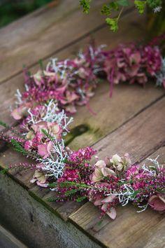 Dried Flower Wreaths, Hydrangea Wreath, Fall Wreaths, Dried Flowers, Christmas Wreaths, Christmas Crafts, Floral Wreath, Pool Noodle Christmas Wreath, Flower Factory