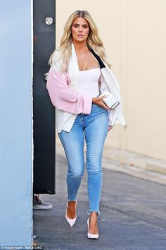 Stunning: Khloe Kardashian flaunted her fab post-baby figure on a solo outing to the studio in Los Angeles on Tuesday Kris Jenner, Kendall Jenner, Kylie Jenner Outfits, Kourtney Kardashian, Kardashian Family, Kardashian Jenner, Body, Casual, Celebrity Style