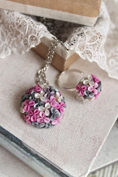 Glower pendant, grey and pink pendant, polymer clay tiny flowers, ball of flowers, floral jewelry Polymer Clay Kunst, Polymer Beads, Polymer Clay Flowers, Polymer Clay Pendant, Fimo Clay, Polymer Clay Projects, Polymer Clay Creations, Polymer Clay Earrings, Polymer Clay Embroidery