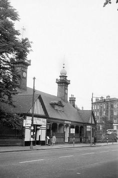 old Botanic Gardens station Glasgow Botanic Gardens, Glasgow City Centre, Great Western, Glasgow Scotland, West End, Historical Photos, Old Photos, Places To Visit, Villa