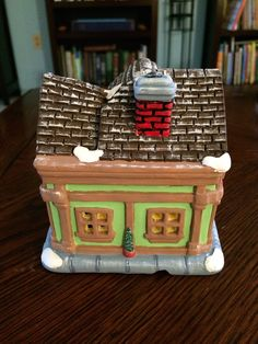 Ceramic pet shop, painted ceramic, Christmas Village 2014